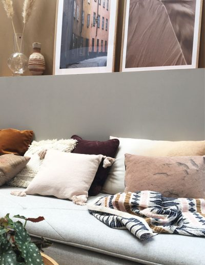 vt-wonen-en-deisgn-beurs-2018-beursstand-flexa-kleurentrend-kleur-van-het-jaar-2019-Spiced-Honey-ruimte-ingericht-door-Binti-Home-blog-by-INinterieurs